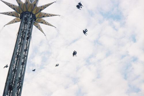 「NEWレオマワールド」の「懐かしさ」を空を通して撮り歩く − Find My Style
