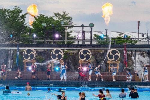 西武園ゆうえんち 新夏イベはプールで水かけショー「大水合戦」