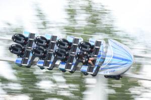 富士急ハイランド「ドドンパ」が進化 1.56秒・69mで時速180kmの新型コースター「ド・ドドンパ」